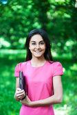 Portret meisje laptop — Stockfoto