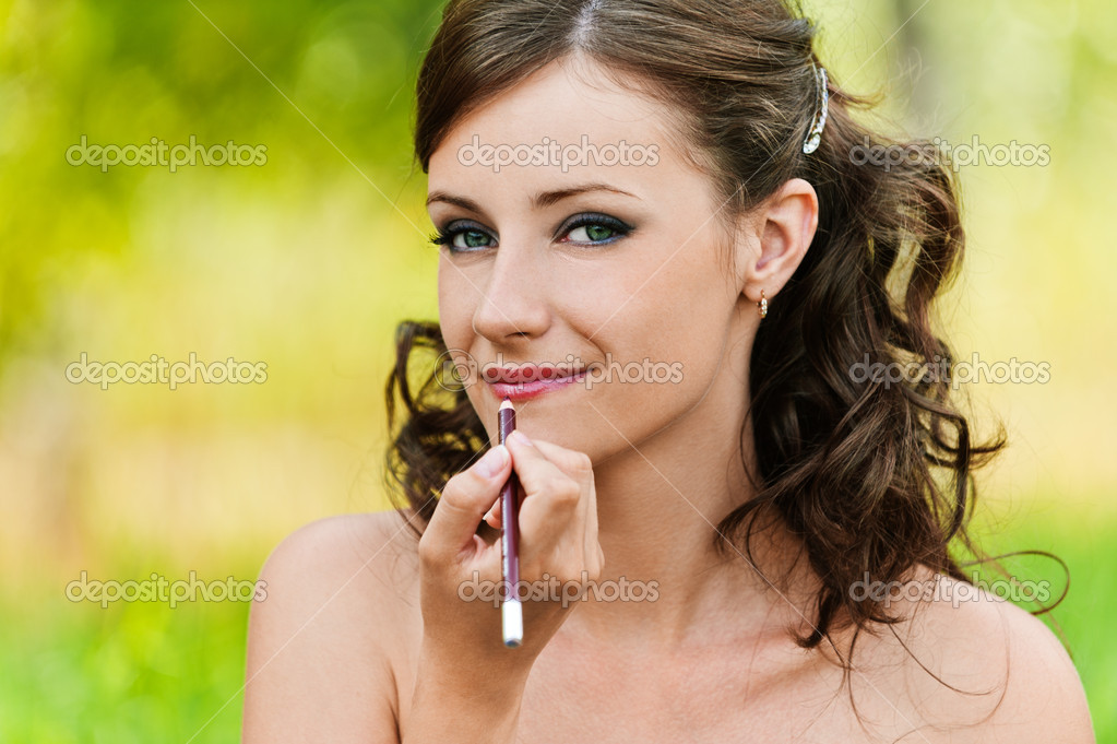 Portrait pretty young woman bare lipstick contour pencil background summer nature — Foto de Stock   #7581595