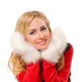 Jeune femme avec des mitaines laineux — Photo