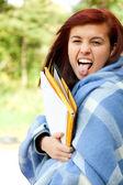 Crazy student mädchen in decke — Stockfoto