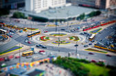 Roundabout in the city at rush hour — Stock Photo