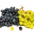 Black and green grapes isolated on white. — Stock Photo