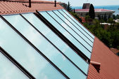 Solar panels (geliosystem) on the house roof. — Foto Stock
