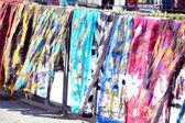 在第比利斯,格鲁吉亚街头市场上不同的颜色 scraft — 图库照片