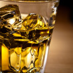 whisky en las rocas — Foto de Stock