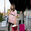 Pregnant Woman Shopping — Stock Photo
