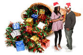 Black Couple Opening a Christmas or birthday present — Stock Photo