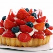 Fresh and tasty cake with strawberry and blueberry — Zdjęcie stockowe