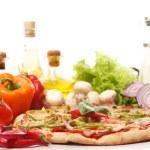 Fresh and tasty pizza — Stock Photo #7181881
