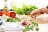 Masaya sağlıklı yiyecek — Stok fotoğraf