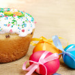 Easter eggs and cake — Stock Photo #7717965