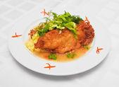 Beignets de saumon avec risotto — Photo