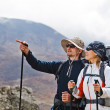 Couple Hiking in Himalaya Mountains — Stockfoto