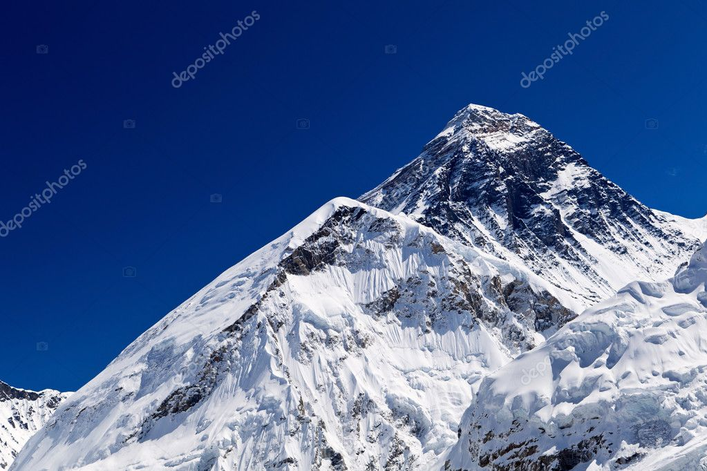 Mount Everest Summit in Himalaya Mountains, Nepal — Stock Photo #7499947