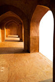 Ancient architecture. Corridor with arches — Stock Photo