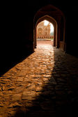 Safdarjung's Tomb. Central entrance at evening sunlight — Foto Stock