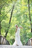 屋外の美しい花嫁 — ストック写真