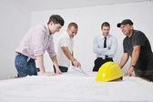 Team van architecten op construciton site — Stockfoto