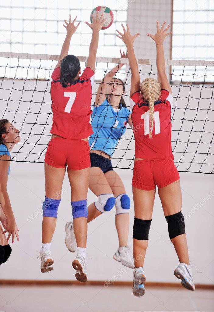 видео голые играют волейбол-иэ1