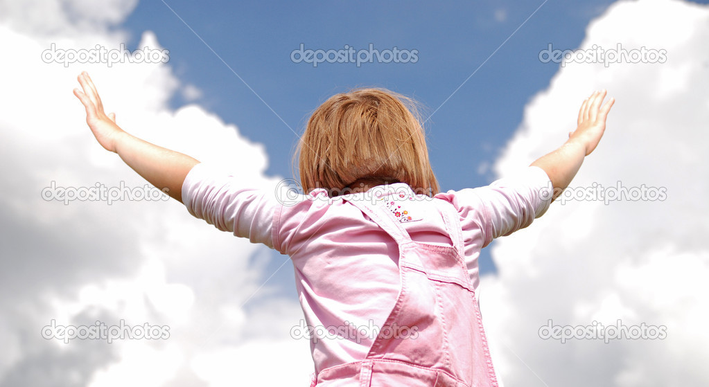 Girl with arms wide open and sky background (Multiple values) — Stock Photo #7944011
