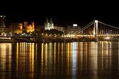 ночная точка зрения панорама будапешта, венгрия — Стоковое фото