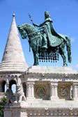 Saint Istvan statue and fisherman's bastion in Budapest, Hungary — Fotografia Stock