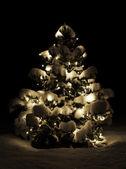 Bliksem kerstboom in de natuur — Stockfoto