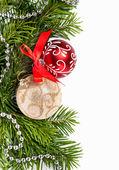 Christmas firtree met rode en gouden ballen — Stockfoto