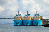 Velké vlečná plavidla v přístavu — ストック写真