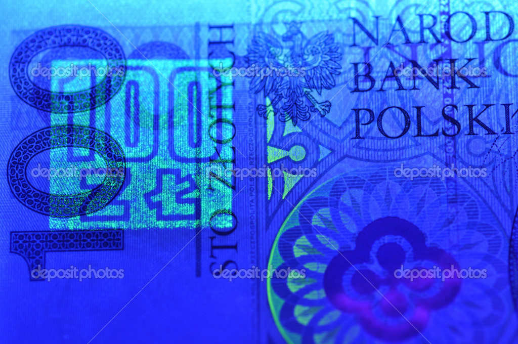 Security features on a 100 pln (polish) banknote  — Stock Photo #6933125