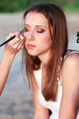 Making makeup — Stock Photo