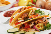 Ensalada de pollo en tacos — Foto de Stock