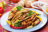 Grilled chicken in taco shells — Foto de Stock