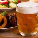 Cold mug of beer — Stockfoto #6985737