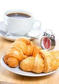 Croissants en koffie — Stockfoto