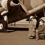 Wife saying good bye to pilot husband — Stock Photo