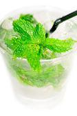Mojito Caipirina cocktail mit frischer Minze — Stockfoto