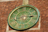 Krakow - clock face on the tower of the cathedral of Wawel — Stock Photo