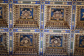 Pisa-beautifully adorned the ceiling inside the Cathedral — Stock Photo