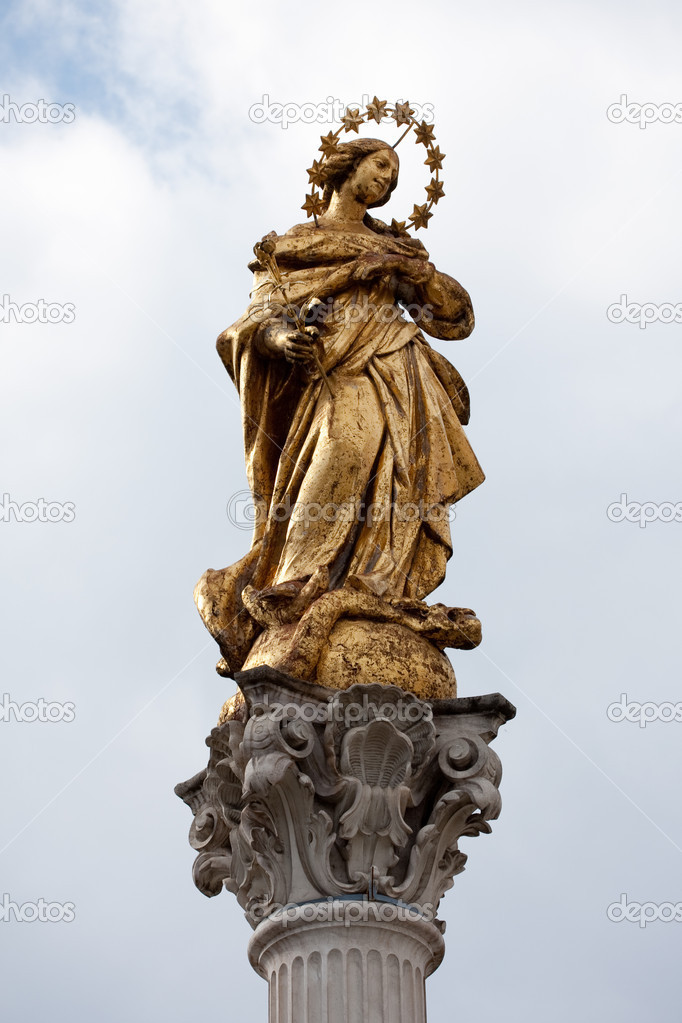 Holy Virgin Marry in the Maribor Slovenia city square — Stock Photo #6990031