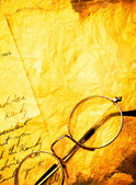 Vintage paper with old eyeglasses — Foto de Stock