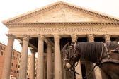 Horse carriage and Pantheon — Stock Photo