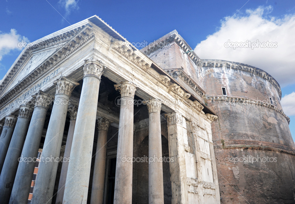 Exterior of the pantheon in rome italy, built in 126 ad — Stock Photo #6937306