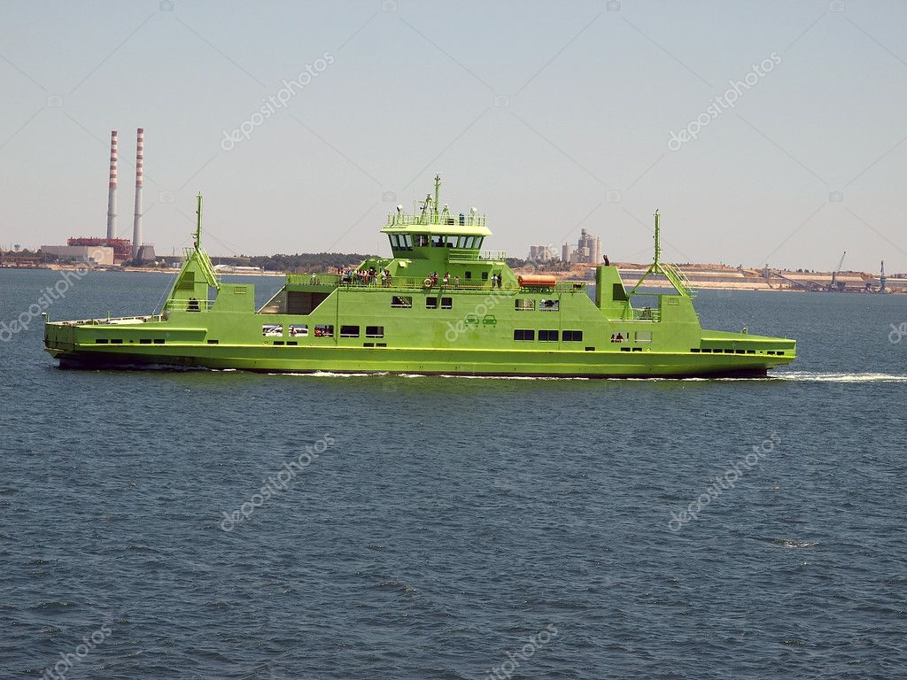 Ferry line-green color ferry  Zdjcie stockowe #6801378