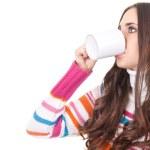 Женщина пьет чай — Стоковое фото #6916410