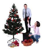 Versieren van de kerstboom — Stockfoto