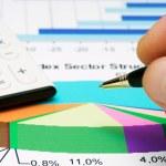 Stock market reports analysis — Stock Photo