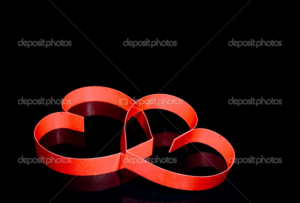 St. Valentine Day. Two hearts, on black background with reflection. — Stock Photo #6914603