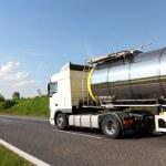 一大燃料辆油罐车 — 图库照片