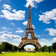 Beautiful photo of the Eiffel Tower in Paris — Stock Photo #7745303